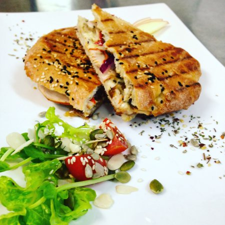 Pemberton, Australien: Our famous gourmet toasted turkish with portuguese smoked chicken