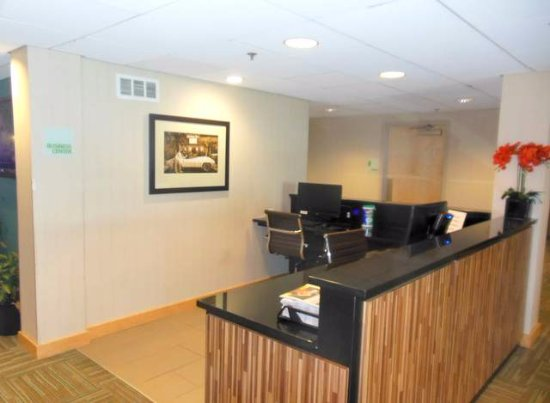 Sunset Hills, MO: Business center
