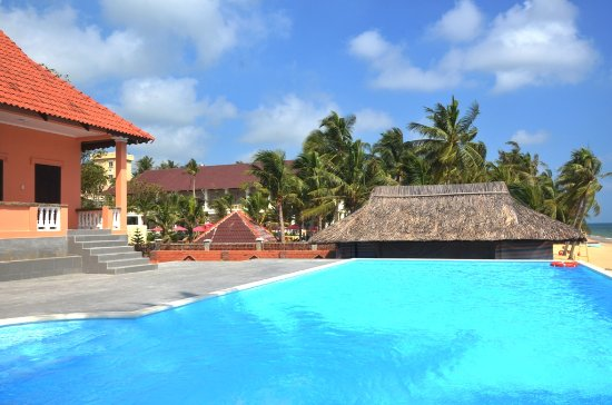 Mai Spa & Resort: Outdoor swimming pool