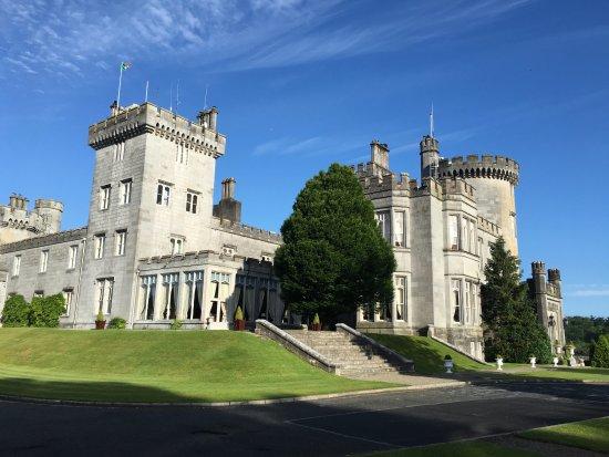 Newmarket-on-Fergus, أيرلندا: Castle view