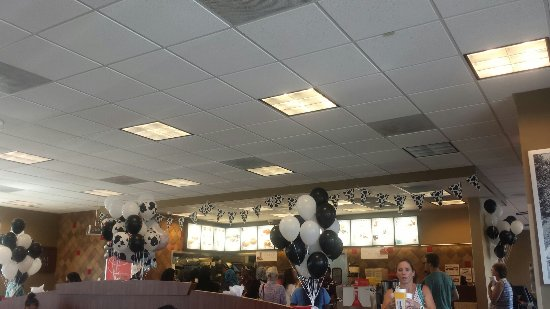 Photo of Fast Food Restaurant Chick-fil-A Wolfcreek at 2849 N Germantown Pkwy, Memphis, TN 38133, United States