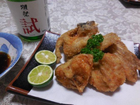 Shunan, اليابان: ボリューム大の唐揚げ