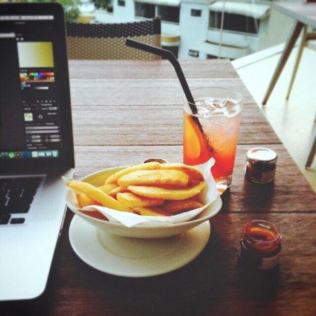 Oriental Residence Bangkok: Pool snack