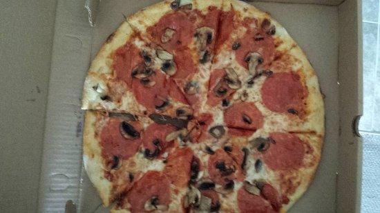 Essex, VT: Basic Pepperoni and mushroom