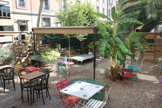 cafe poetique le jardin barcelona les corts