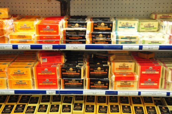Tillamook, OR: Cheese for sale