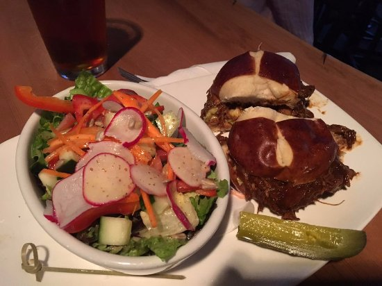 Panorama, Canadá: Pulled Pork with Salad