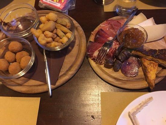 Sassocorvaro, İtalya: La Cotta Birrificio Brasserie