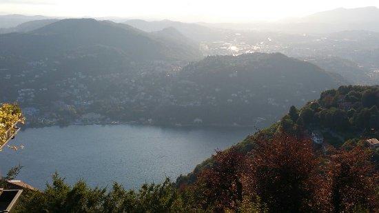 Brunate, Italie : 20160717_195926_large.jpg