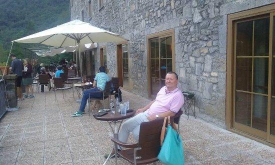 Bielsa, Испания: Drinks on the terrace