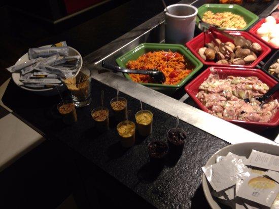 Ussac, ฝรั่งเศส: Buffet d'entrées