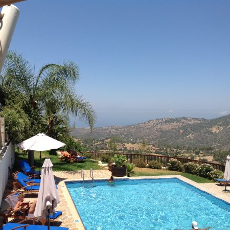 Paradisos Hills: Pool
