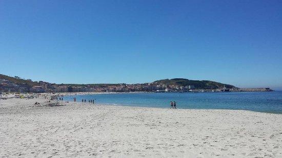 Hotel Playa de Laxe: La playa de Laxe esta justo delante del hotel