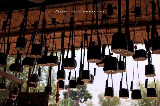 Kushtia, Bangladesh: Ek-Tara - main instrument to play Baul song