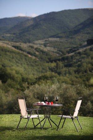Giano dell'Umbria, Italia: Giardino esterno