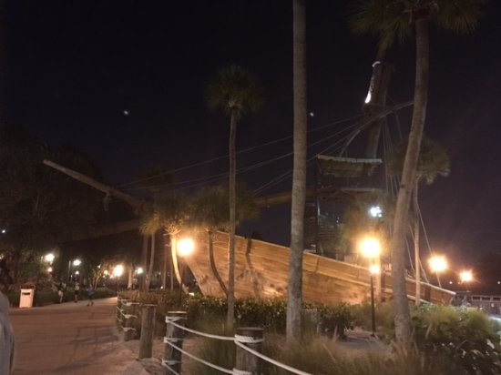 Disney's Beach Club Villas Resmi