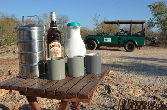 Balule Private Game Reserve, جنوب أفريقيا: Hot coffee with amarula on a cold morning