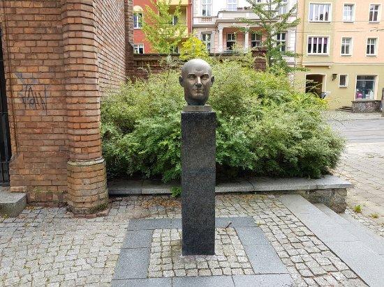 Ernst Thälmann Büste: Thälmann Büste, Frankfurt (Oder)