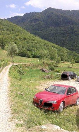 Bettola, อิตาลี: inizio percorso Cascate del Perino