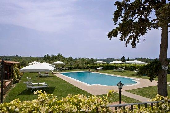 Barberino Val d'Elsa, İtalya: Swimming pool