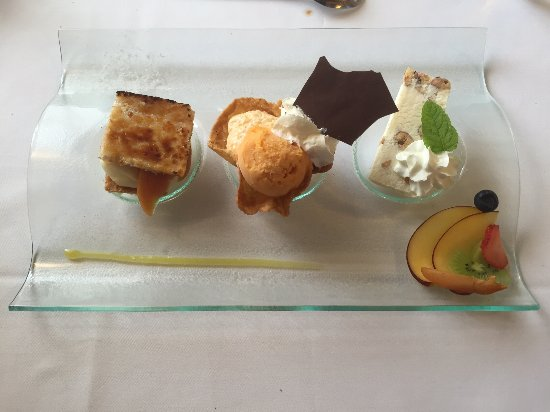 Porrentruy, İsviçre: Sympatique dessert, autant pour les papilles que pour les yeux