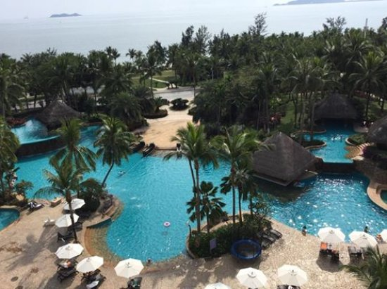 Holiday Inn Resort Sanya Bay: View from my room in 9th floor