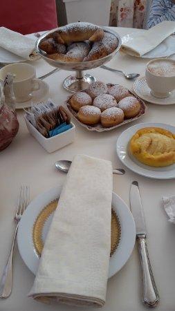 Villa Orso Grigio: colazione in camera