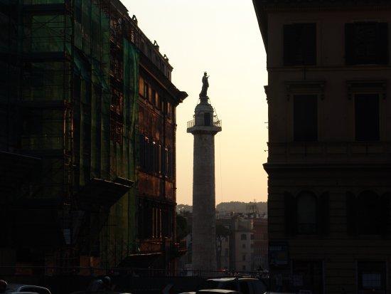 Pace Helvezia Hotel: Columna trajana
