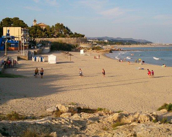 Playa de sant gervasi vilanova i la geltru ce qu 39 il - Jardineria vilanova i la geltru ...
