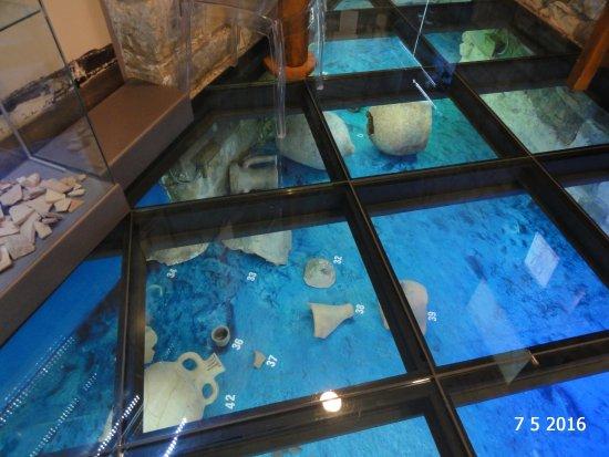 Sergej Masera Maritime Museum (Pomorski muzej): The glass floor showing Roman artefacts