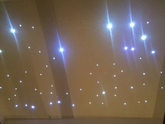 Hotel Herrnschloesschen: Star ceiling lighting inside the suite.
