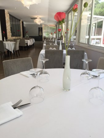 Gemenos, Frankrijk: salle de restaurant
