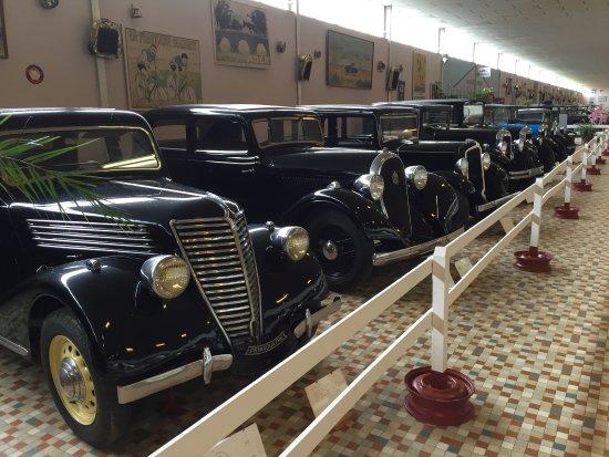 voyage dans le temps picture of musee automobile de. Black Bedroom Furniture Sets. Home Design Ideas
