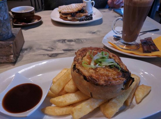 Otorohanga, Nya Zeeland: Pie and chips
