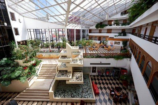 Oura Praia Hotel: Lobby Areas