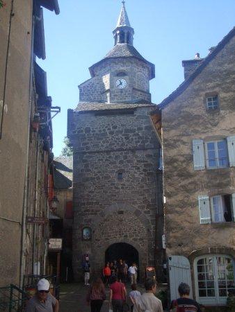 Besse-et-Saint-Anastaise, Francia: la porte du beffroi