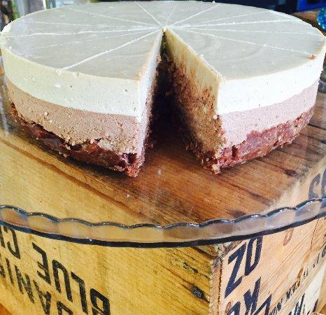 Gisborne, Australia: Raw Triple Layer Dairy Free Cashew Cheesecake