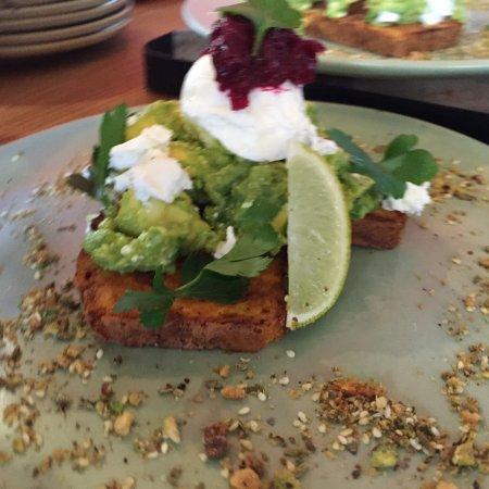 Gisborne, Australia: Avocado Smash on house-made Pumpkin GF Bread