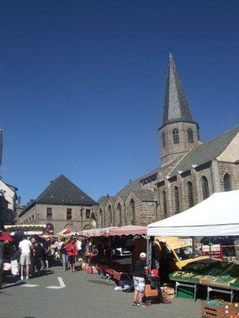 Besse-et-Saint-Anastaise, Francia: la mairie