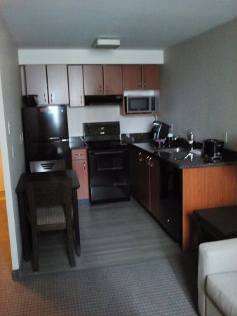 Regency Suites Hotel Calgary Photo