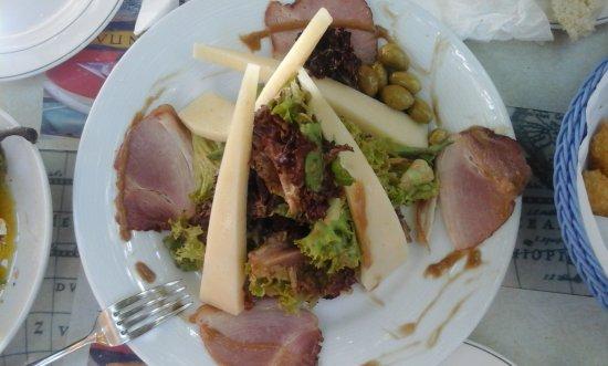 En Plo KOTRONAS PORT: Σαλάτα με γεύση από Κρήτη και Μάνη