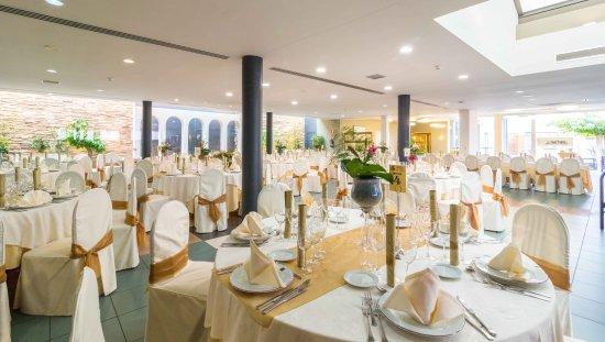La Almunia de Doña Godina, España: Banquete Hotel Restaurante El Patio