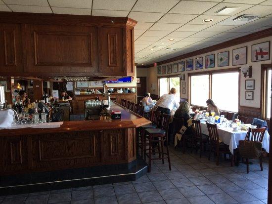 Bay Shore, État de New York : the bar at captain Bill's