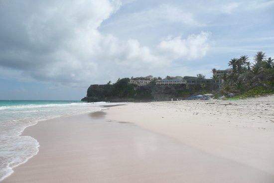 Union Hall, Barbados: Crane Beach (looking back to the Crane resort restaurants)