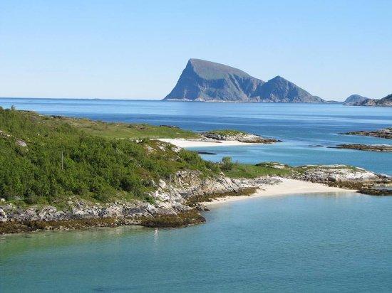 Sommaroy Arctic Hotel Tromso: magic views from Sommaroy