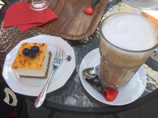 Café Hallonblad: photo2.jpg