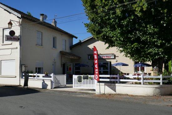 Petit-Bersac, France : Restaurant Le Vin Doux