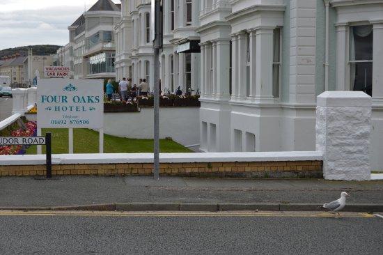 Four Oaks Hotel Foto