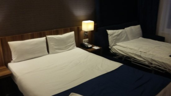 holiday inn express dresden city centre un lit double et le pliant - Lit Double Pliant