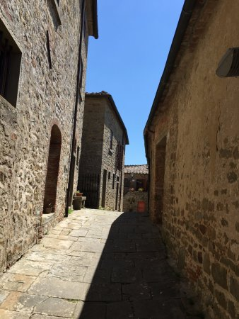 Monte San Savino, Italien: Lovely alley